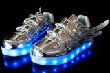 2018 ha fatto in pattini all'ingrosso dell'indicatore luminoso LED del pattino dei bambini dei pattini della Cina LED per i capretti