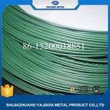 Rollo de fino alambre recubierto de PVC de color verde