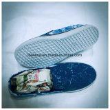 Помытые ботинки холстины отрезока низкого уровня типа джинсовой ткани