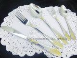 Jeu réglé de vaisselle plate de couverts en gros d'or