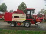 De Plukkende en Pellende het Oogsten van de Maïs Machine van de Korenaar