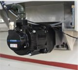 Holzbearbeitung-Maschine mit Laden und dem Aus dem Programm nehmen der CNC-Fräser-Maschine