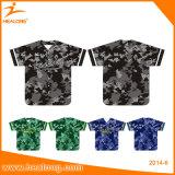 I fornitori di Healong tingono le uniformi secondarie di baseball