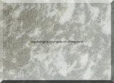 Каррарским белого цвета обеспечивают Quartz камня слоя керамической плитки на кухонном столе