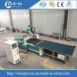Cargamento auto y descarga de la máquina de madera del ranurador del CNC para la venta