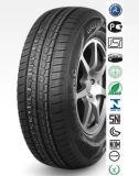 車のための冬のタイヤ、特別なデザイン、冬の季節のSUVおよび氷の道路状況、高性能