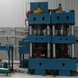 LPGシリンダー生産のためのDecoilそしてブランクにする機械