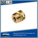 Porca de bronze não padronizada da inserção com nó reto, peças da injeção do torno feitas no continente de China