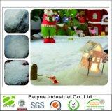 白い人工的な柔らかい雪はクリスマスの飾ることのためにはげる