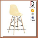 호텔 클럽 플라스틱 Dsw 하이바 나무다리 의자