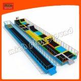 Novo design do preço de fábrica playground coberto trampolim com espuma Pit