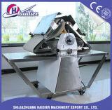 Het commerciële Omkeerbare Staal van het Deeg Sheeter/Stainess van de Bakkerij van het Tafelblad van de Vloer Model