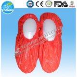 Una cubierta plástica disponible de los zapatos del PE del uso del tiempo