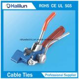 La L digita la clip della fascia per impacchettare normale del cavo