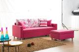 Einfaches u. elegantes Wohnzimmer drei Seater Sofa
