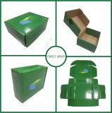 Зеленый напечатанный цвет одевает бумажную коробку