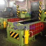 Los desechos de cobre y aluminio Industrial prensa de balas (fábrica).