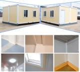 los 20FT prefabricaron la casa del envase de la estructura de acero por el panel de emparedado para vivir y el almacén