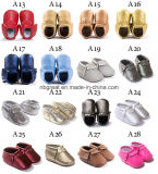 Ботинки малыша младенца Tassel огромного сбывания цветастые кожаный