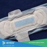 翼が付いている熱い販売の衛生パッドか生理用ナプキンまたは衛生タオル