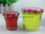 Maurer-Gläser mit roten überprüften Kappen