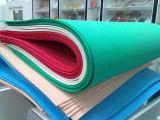 Vários folhas e Rolls da espuma de EVA das amostras livres das cores
