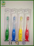 Guter weicher Gummi der Jahr-6+ handhabt Kind-Zahnbürste mit dem genehmigten Cer