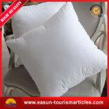 白い綿織物のビジネスクラス航空会社の枕刺繍