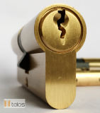 Estándar de la cerradura de puerta de 6 terminales de latón satinado seguro Doble cerradura de cilindro de 45mm-60mm