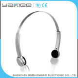 Auriculares de plata de conducción auditiva con audífonos sordos