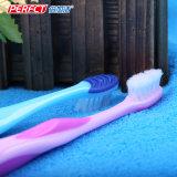 Vollkommene Farben-weiches Kind/Kind/Kind-Zahnbürste