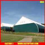 Grandi tende della tenda foranea dell'alto picco della tenda di sport esterni di figura curva