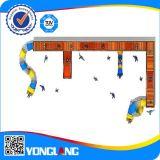 Пластичное скольжение с спортивной площадкой трубы игр стены гальванизированной