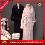 専門の長い袖の寝間着の浴衣の綿によってキルトにされる浴衣