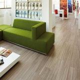 Plancia di sguardo di legno del PVC che pavimenta la pavimentazione autoadesiva del vinile