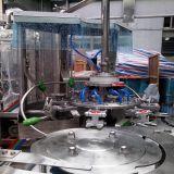 Llenado de botellas de plástico de la máquina de sellado