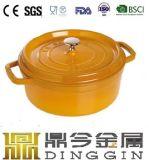 別のカラーのエナメルのダッチオーブンまたは鋳鉄の鍋