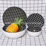 L'ouest de la vaisselle en céramique populaire défini pour le ménage
