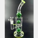 Grünes Glas-Rohr-Filter und bereiten Tabak-Glaspfeife auf