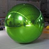 Boule miroir gonflable vert pour la décoration