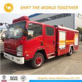 Isuzu 4X2水および泡のタンカーの消火活動のトラック