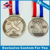 Logotipo gracioso pequeña medalla de plata