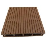 Деревянный пластичный составной настил для напольного украшения