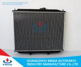 Motor die AutoDelen voor Nissan Terrano 2002/Datsun Vrachtwagen 1997-2003 koelen bij de heet-Verkoopt Radiator van de Auto van het Aluminium 21450-7f002