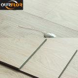 Planches imperméables à l'eau de plancher de vinyle de cliquetis de PVC de 100%
