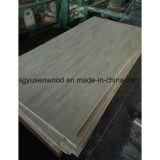 純木指の接合箇所によって薄板にされるボードのRadiataのマツボード