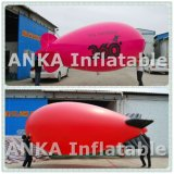 Bekanntmachen Ballone des riesigen Inflatables Zelle-Fliegen-Zeppelins mit Firmenzeichen
