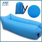浜のキャンプの空気ソファーのスリープの状態であるLounger袋