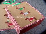 Personalizar o saco de papel do presente relativo à promoção da impressão do projeto do Natal com o punho da fita do Grosgrain