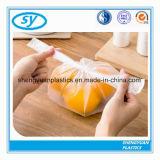 Sacs en plastique estampés transparents de nourriture sur le roulis pour le supermarché
